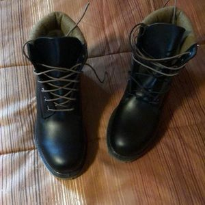 "Timberland black 6"" boots"